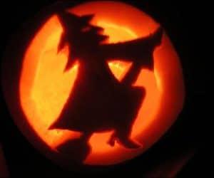 bostan de halloween cu frajitoare pe matura