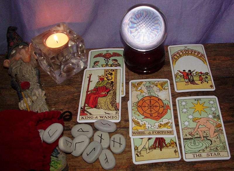 Imaginea thumbnail despre Divinatia o formă de a descoperi, de a învăța și de a ști