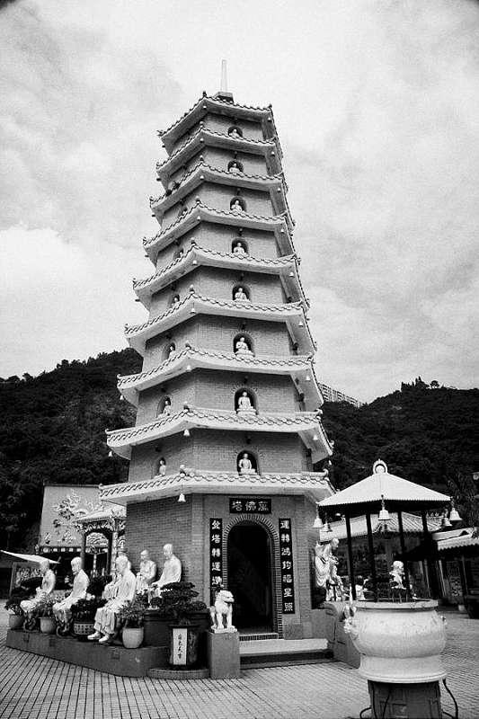 manastire budista - pagoda cu 9 nivele