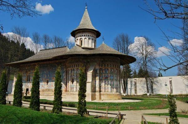 manastirea-voronet-din-bucovina
