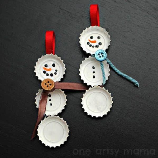 ornamente de craciun din dopuri