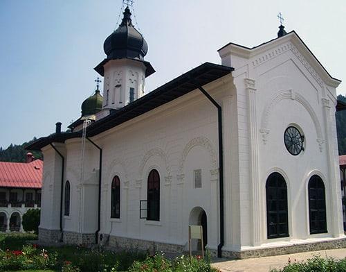 Mănăstirea Agapia din Neamt 1