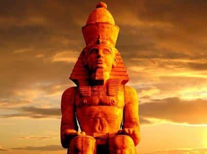 soarele si faraonul