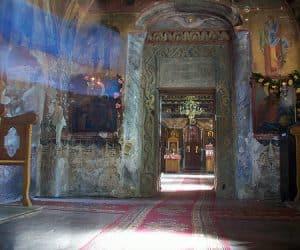 Manastirea Cotmeana interior