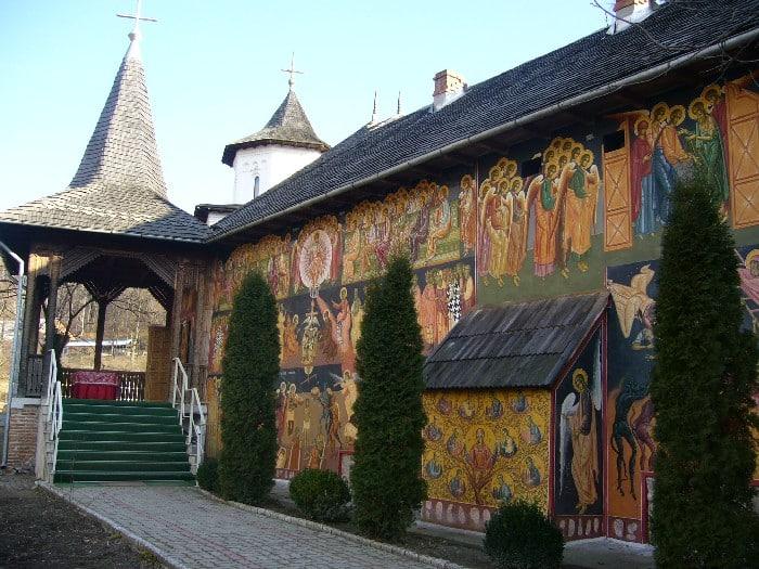 Manastirea Cotmeana pictura exterioara