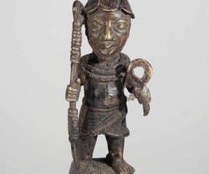 Razboinic african ife din benin statueta din bronz