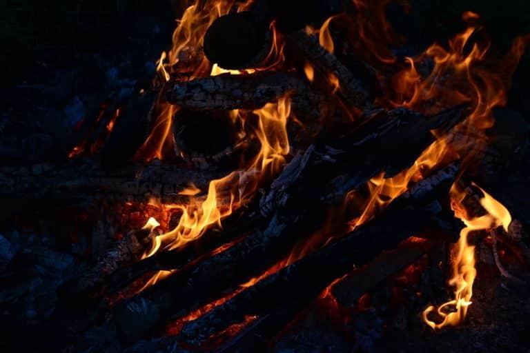 joia mare si focul mortilor