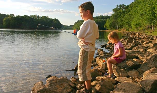 cadouri pentru copii cu undita la pescuit
