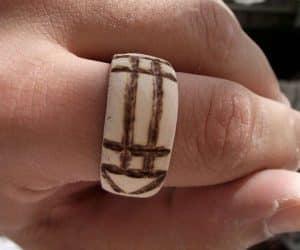 Inelul magic Luxor din lemn - modelul barbatesc