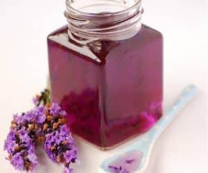 Imaginea thumbnail despre Cum să prepari acasă lichior și sirop de lavandă – utilizări terapeutice