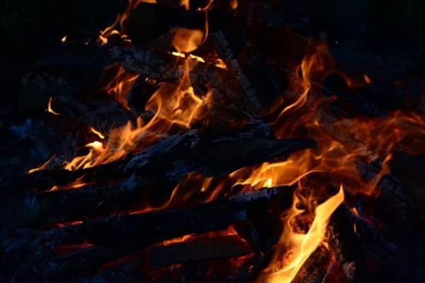 focul si fumul in traditii focul viu