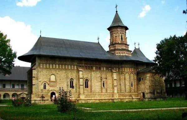 manastiri din Moldova și Bucovina - Manastirea Neamt