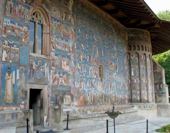 manastiri din Moldova și Bucovina - manastirea Voronet