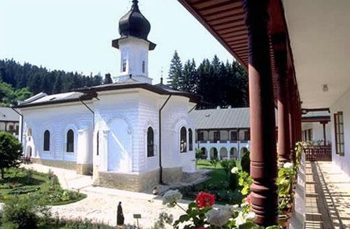 manastiri din Moldova și Bucovina - manastirea Agapia