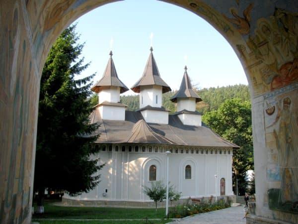 manastiri din Moldova și Bucovina - manastirea Durau