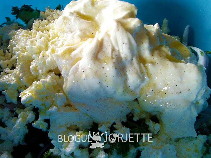 salata orientala cu ulei de masline presat la rece