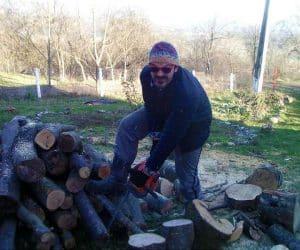 viata la tara - pregatirea lemnelor pentru iarna
