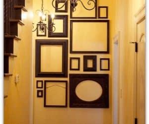 decoreaza un colt de perete cu modele de rame foto fara poza