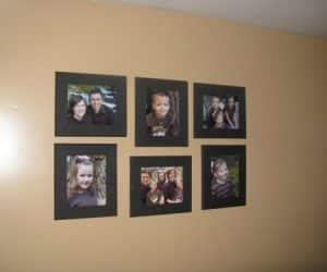 poze cu cei dragi pe perete