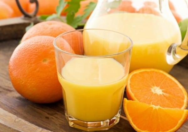 naturalul suc de portocale cu pulpa