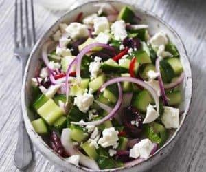 salata cu catraveti masline si branza