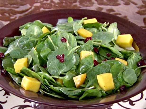 salata de spanac cu fructe