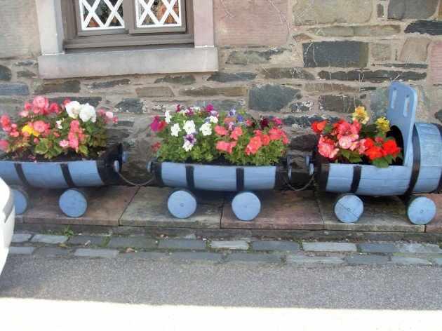 DIY trenulet butoaie din lemn jardiniere de flori