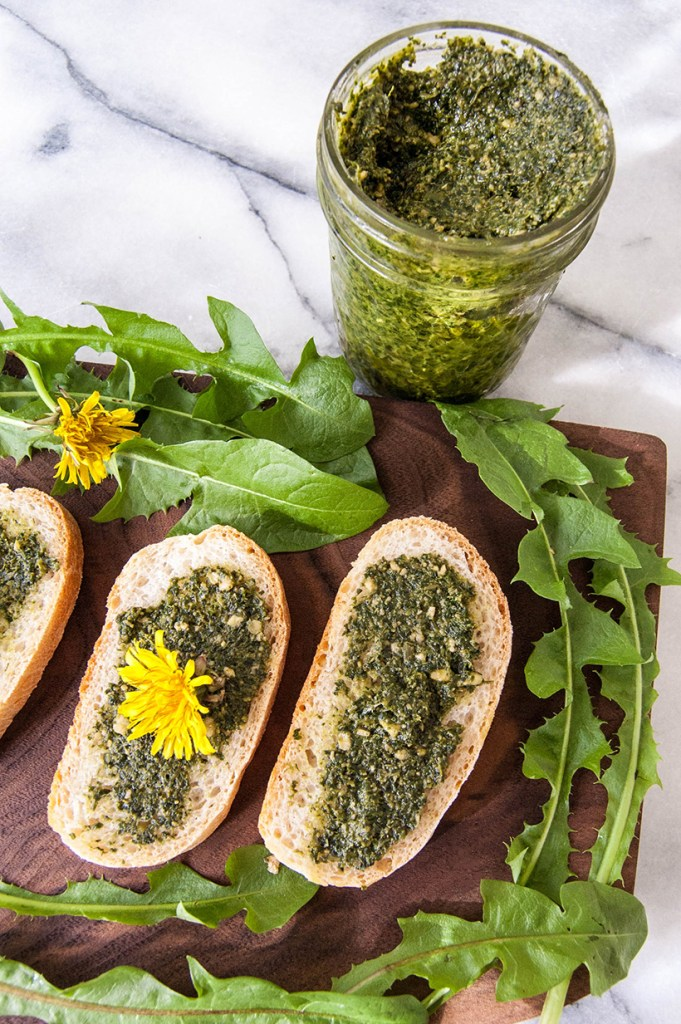 Papadia in sosuri sos pesto de papadie