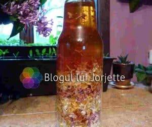 Flori de liliac cu miere de albine