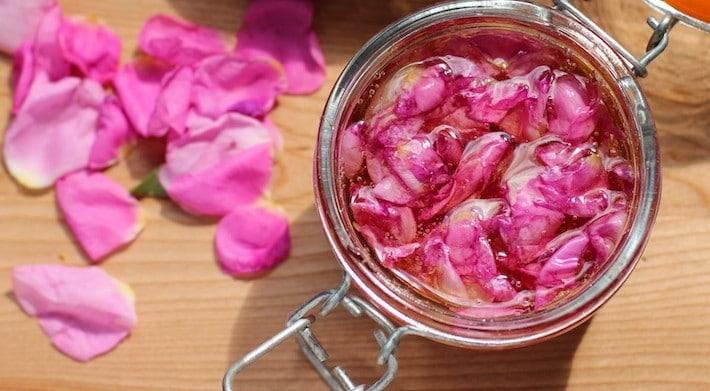 miere cu petale de trandafir de dulceata