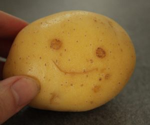 Imaginea thumbnail despre Sucul de cartofi cruzi – aliment medicament ce trateaza zeci de afectiuni