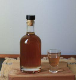 Reteta lichior de alune cu miere