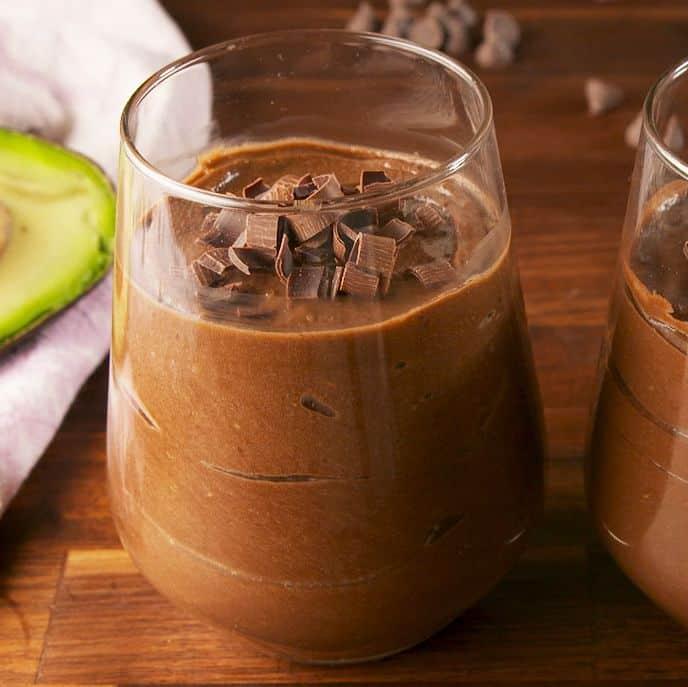 Budica de ciocolata cu avocado - retete cu avocado dulci