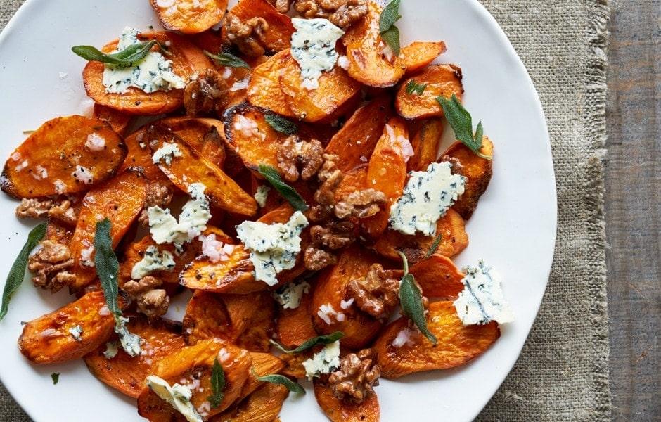 Cartofi dulci cu branza cu mucegai si nuci