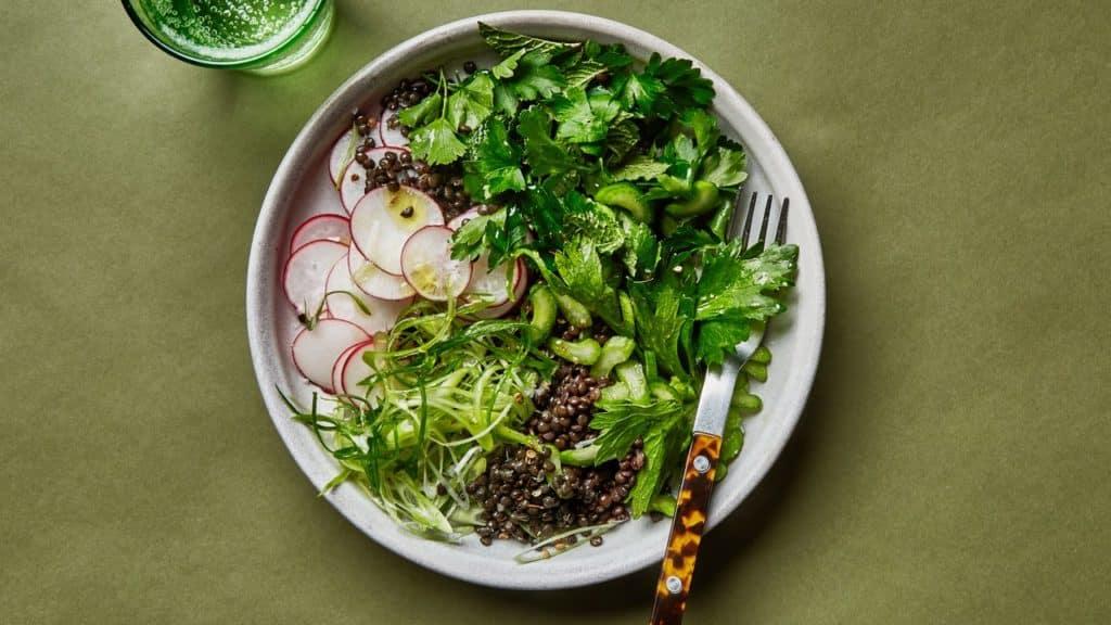 Retete cu linte - Linte marinata cu legume verzi si ridichiil