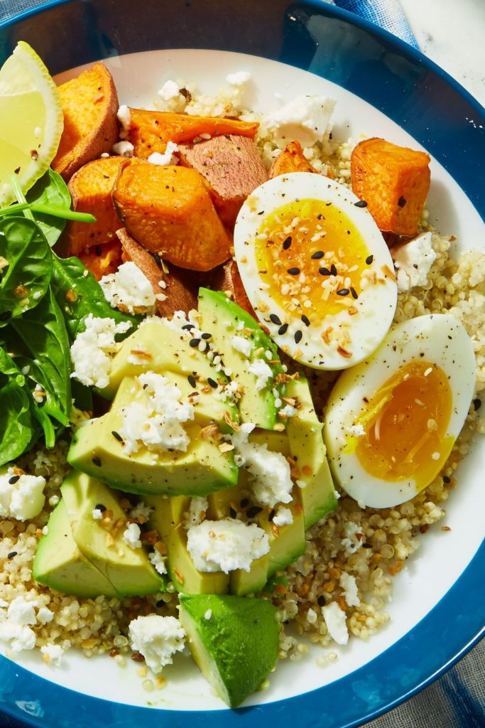 Mic dejun cu avocado - retete cu avocado simple si sanatoase