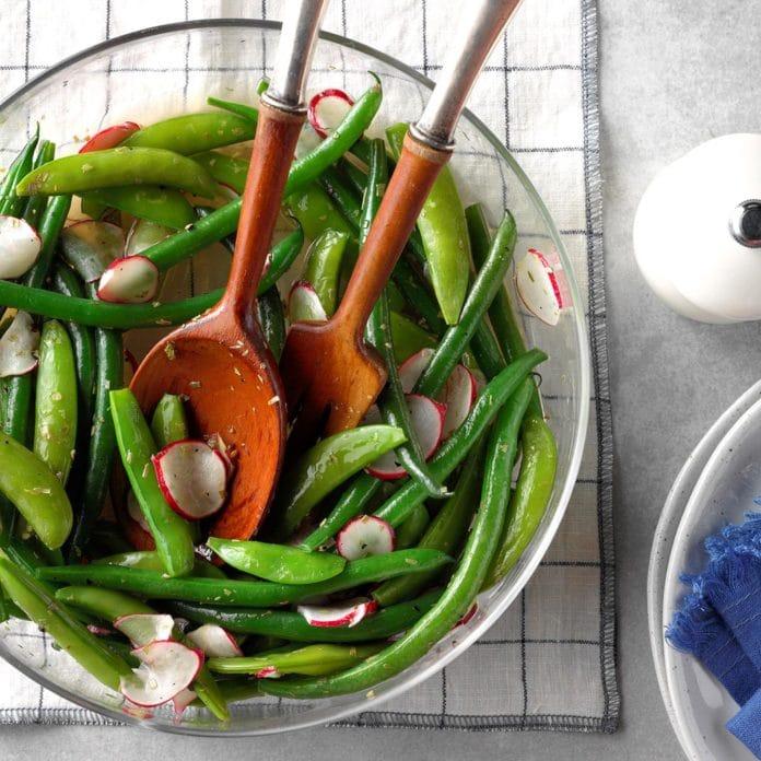 Salata cu ridichi fasole verde si mazare pastai