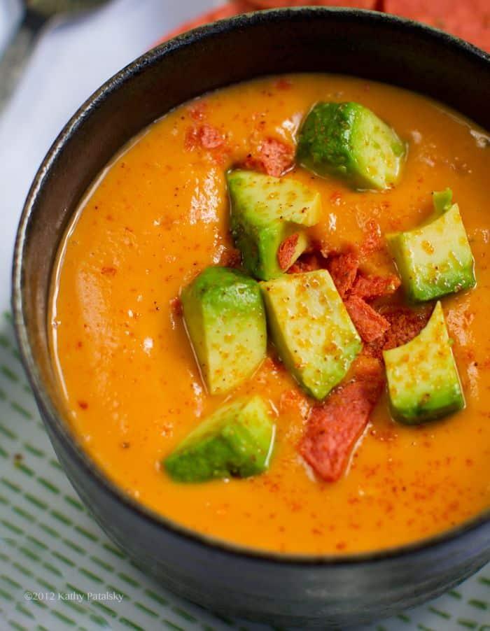 Supa crema de cartofi dulci cu avocado