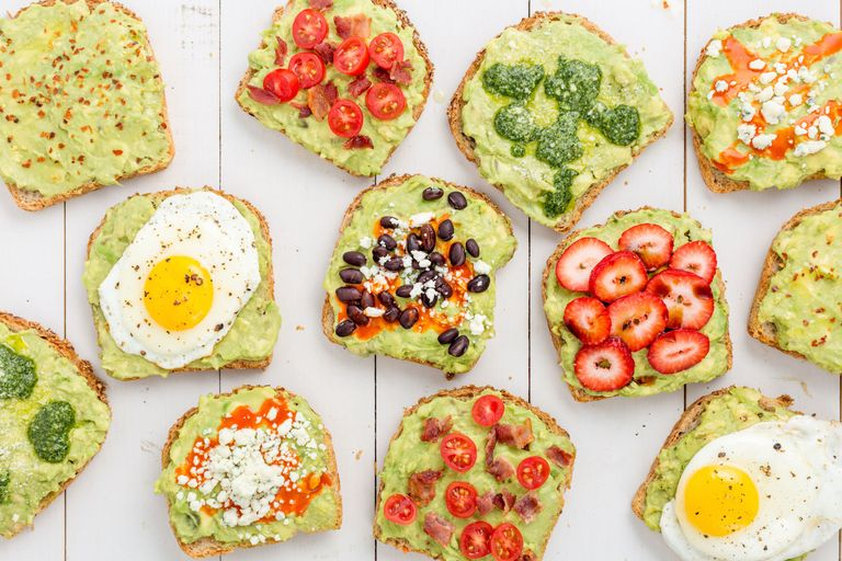 Toast cu avocado paine cu avocado in diverse combinatii - retete cu avocado pentru sufletul tau