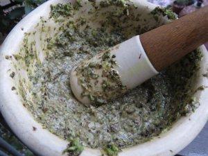 Tapenada de muguri de patlagina cu hummus